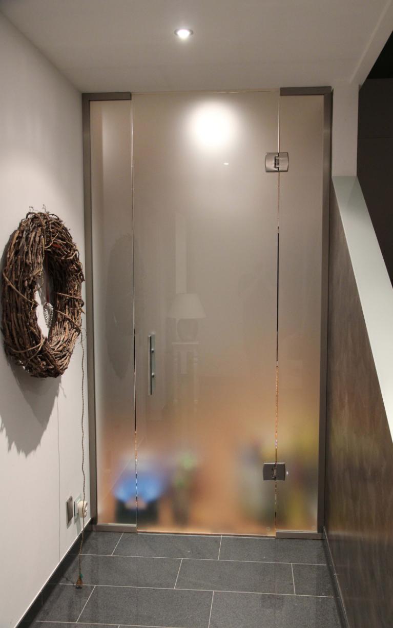 Verglasungen von Türen im Eingangsbereich